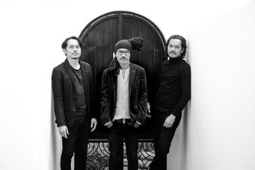 Denny Surya (Drummer), Pohon Tua (Gitar, vocal) dan Brozio (Basis) DDH_inimusik/ foto by DDH