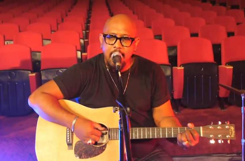 Tampil di Denfest, Mr. Botak Gugah Persatuan Lewat Lagu Saatnya Bersatu